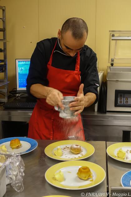 Lo-Chef-Luca-Ficara-in-cucina