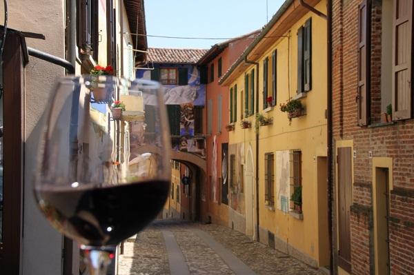 Vignaioli-in-Enoteca-alla-Rocca-di-Dozza-BO