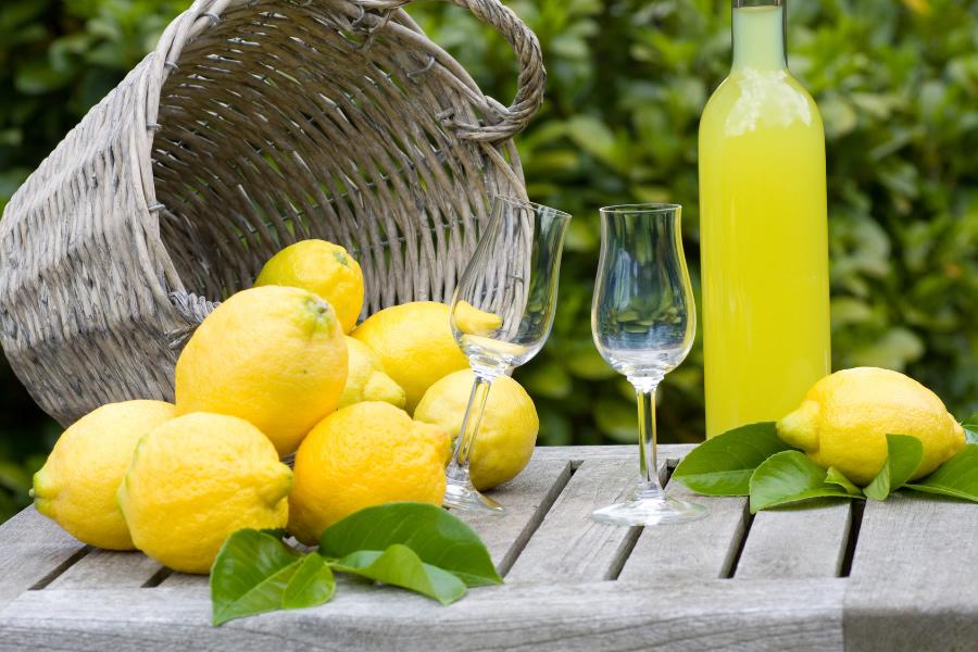 Limoncello-la-ricetta-del-liquore-campano