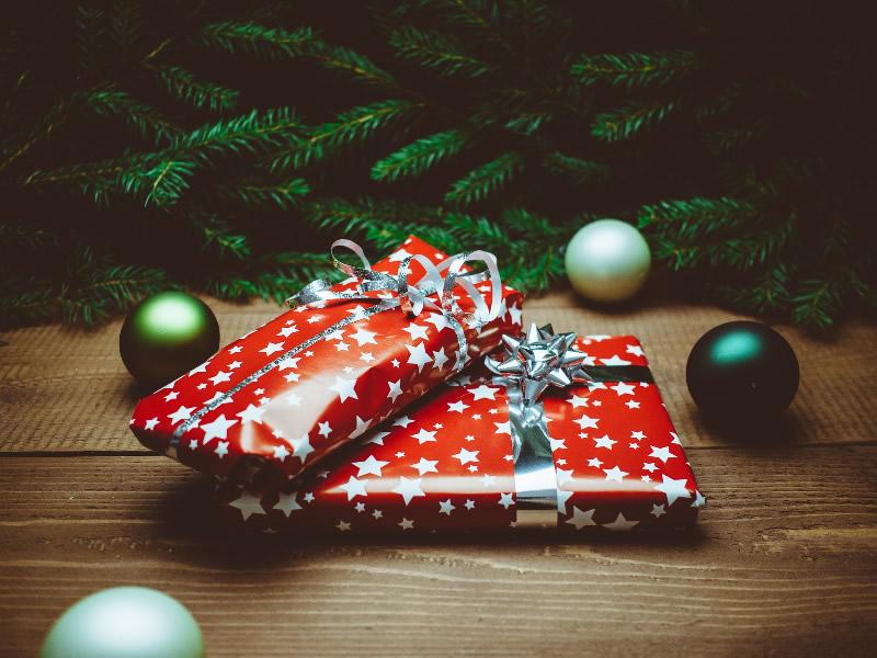 Regali-di-Natale-in-bottiglia-bevande-liquori-e-oli