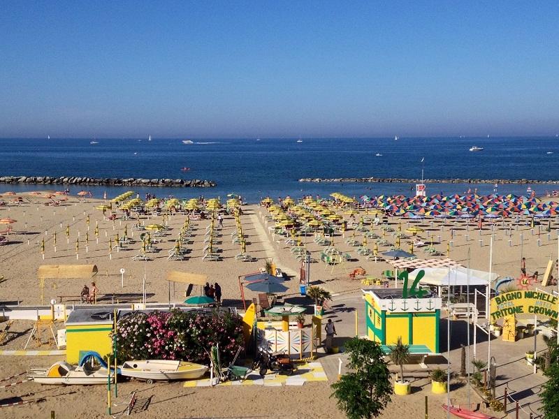 Hotel-Tritone-Viserba-Rimini-Spiaggia