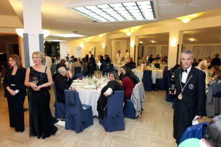cenando-sotto-un-cielo-diverso-alfonsina-longobardi
