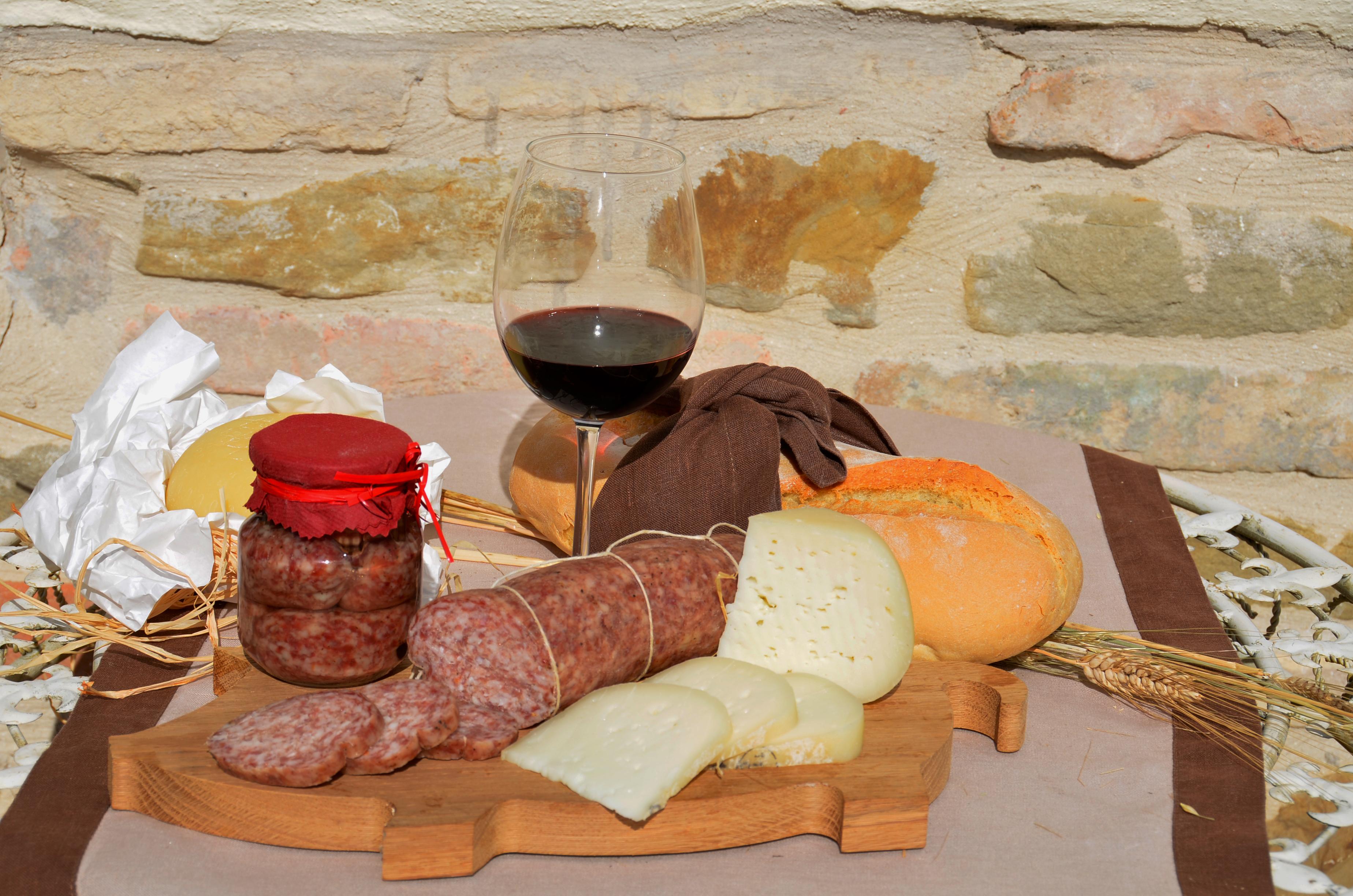 Enogastronomia delle marche prodotti tipici di una regione da scoprire - Corsi cucina regione piemonte ...