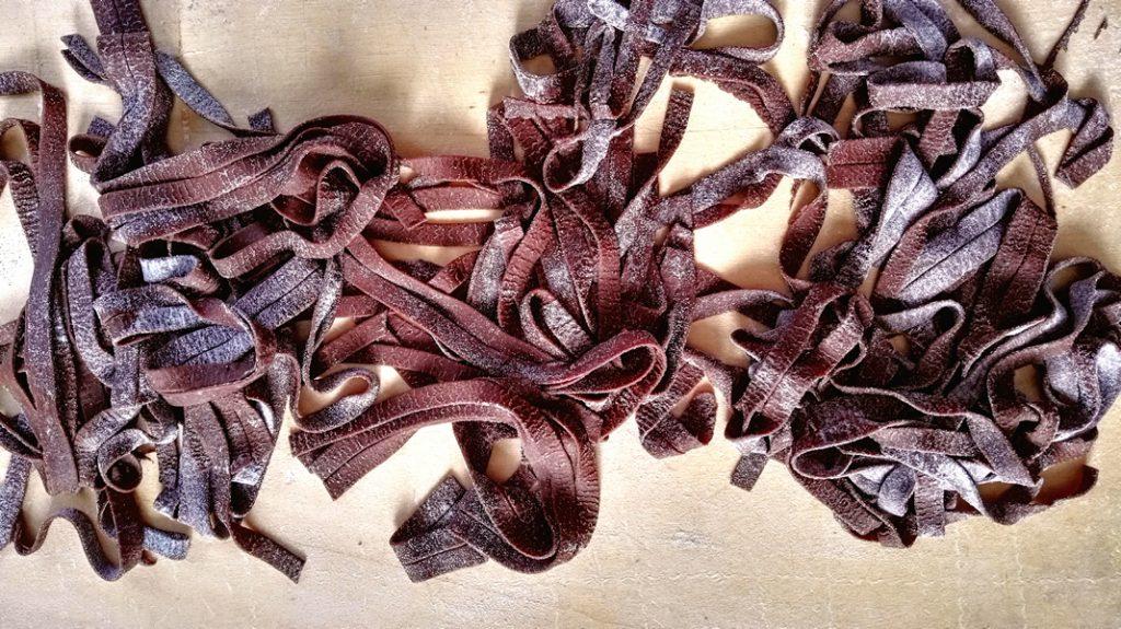 tagliatelle al cacao con ragù di cinghiale