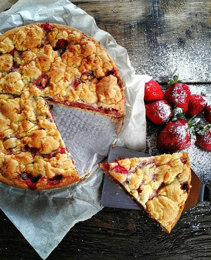Sbriciolata - Ricetta con fragole e cioccolato