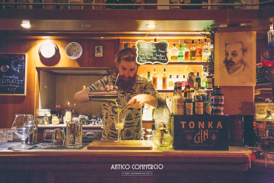 Antico Commercio, Corato: molto più di un bar