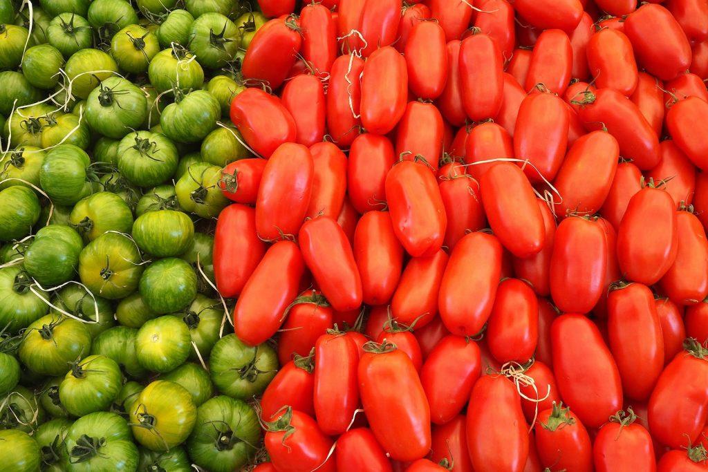 Fare passata di pomodoro, conserve e concentrato