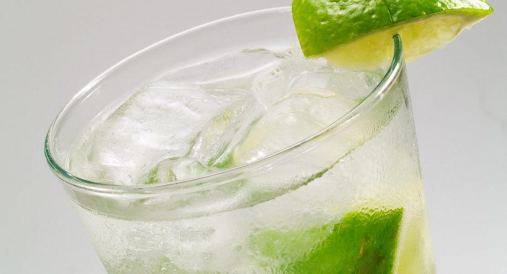 Gin Rickey: ricetta del cocktail, origini e storia