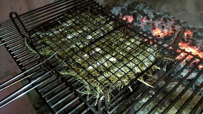 Sugarello al barbecue con rosmarino