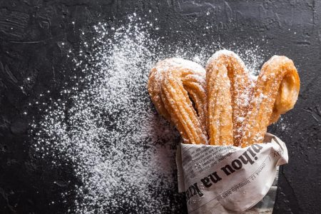 Churros spagnoli, storia e ricetta delle tapas dolci