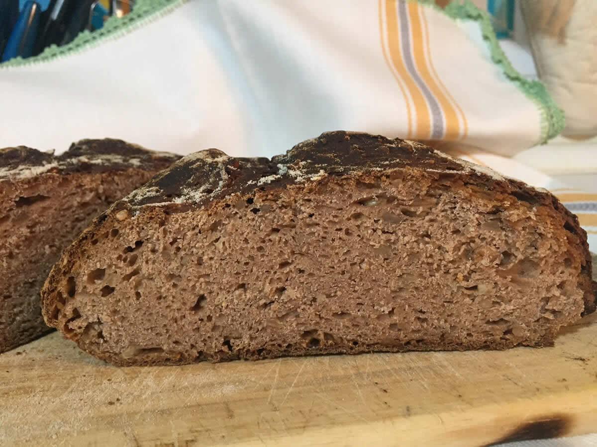 5 tipi di Pane di castagne, storia e ricetta