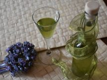 Liquore digestivo all'erba Luisa o cedrina