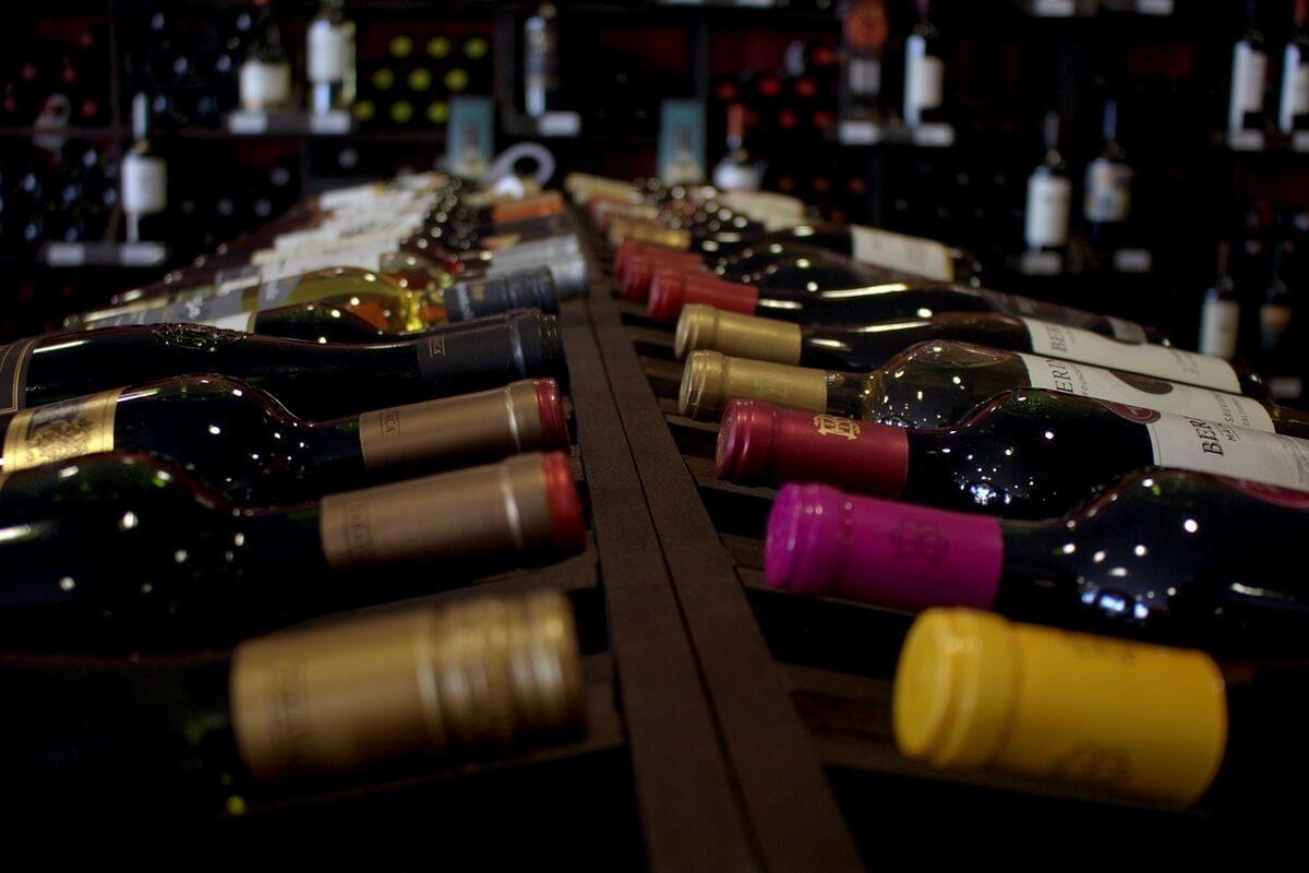 Creare una cantina in casa? Consigli utili per conservare il vino