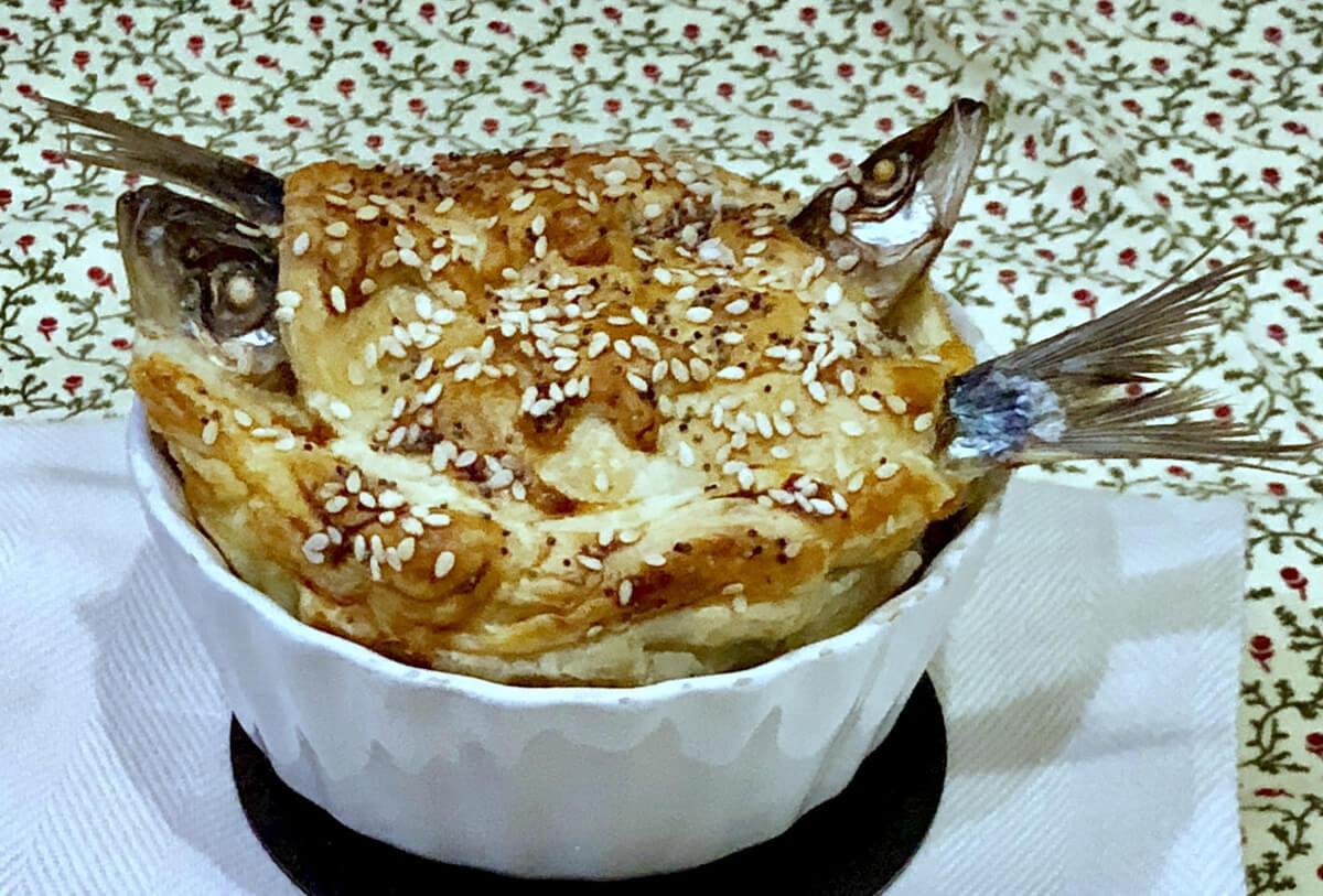 Stargazy Pie, storia e ricetta della torta salata con le sardine