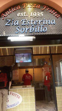 Pizza da strada a Milano: fritta o romana? Due locali da provare