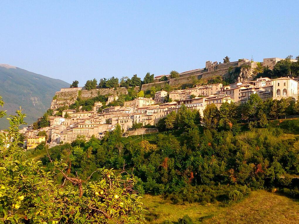 Abruzzo e Marche tra specialità enogastronomiche e altre bellezze