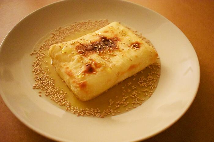 Feta me meli, la ricetta greca