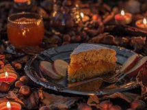 Torta di nocciole con confettura di mele e carote: facile e vegetariana