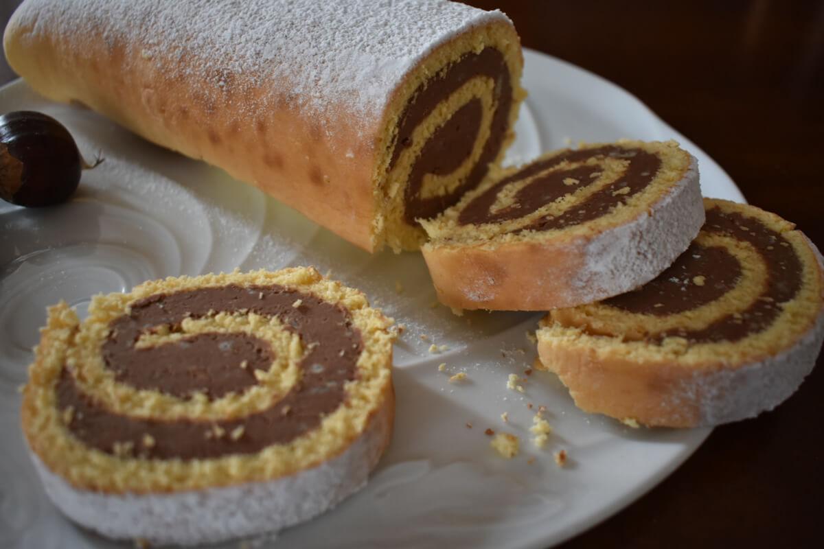 Pan di Spagna farcito con castagne e cioccolato fondente