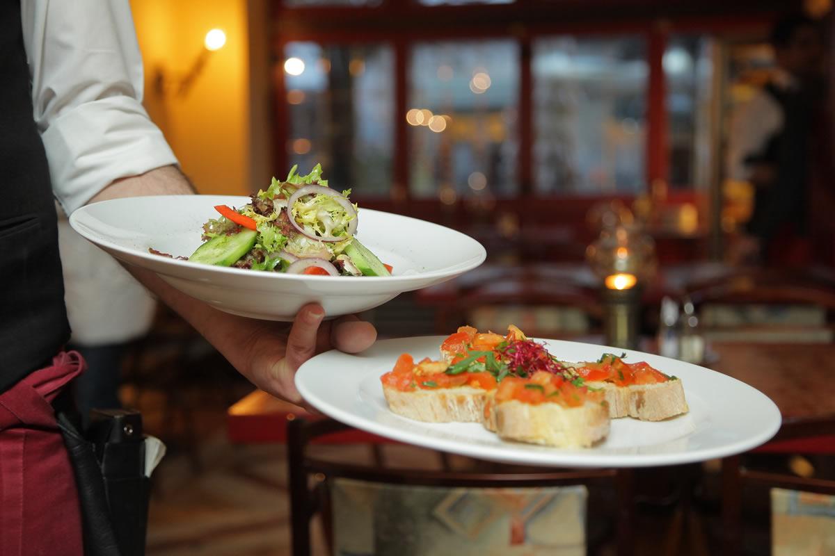 Servizio Al Tavolo.Il Servizio Al Tavolo Cosa Significa Orizzontale E