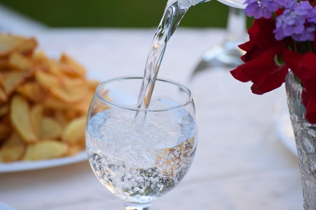 Idrosommelier, ecco come si diventa assaggiatore di acque minerali