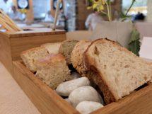 Pane dello chef Stefano Basello con farina estratta dalle cortecce