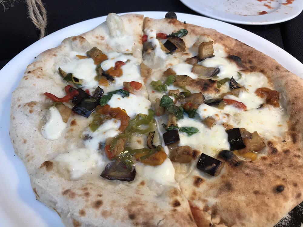 Pizza napoletana STG, la star della Giornata Mondiale della Pizza