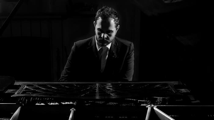 Renzo Rubino in concerto a EGO Lecce