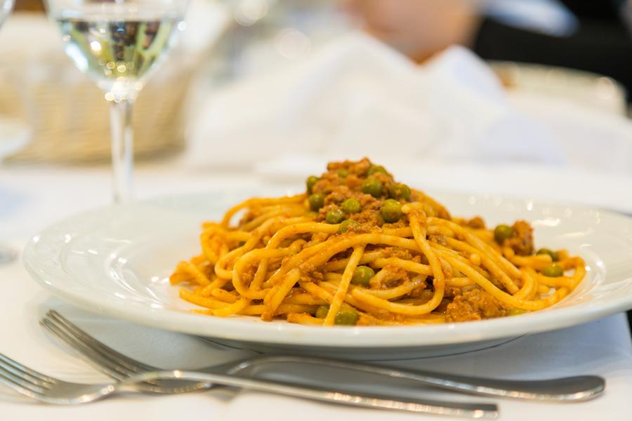 Spaghetti alla bolognese: la verità secondo Giancarlo Roversi