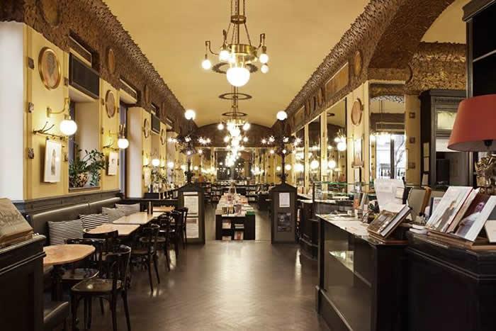 Caffè San Marco a Trieste, ristorante e libreria