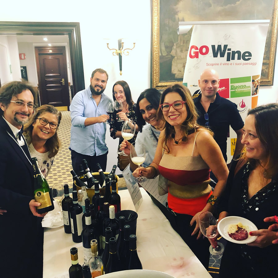 Banco d'assaggio Go Wine a Roma con i vitigni autoctoni