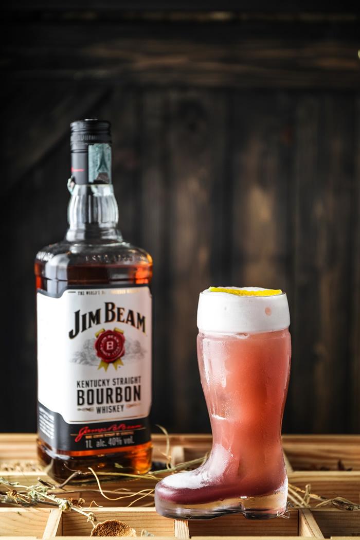 Drink Outlaw del bartender Ugo Acampora