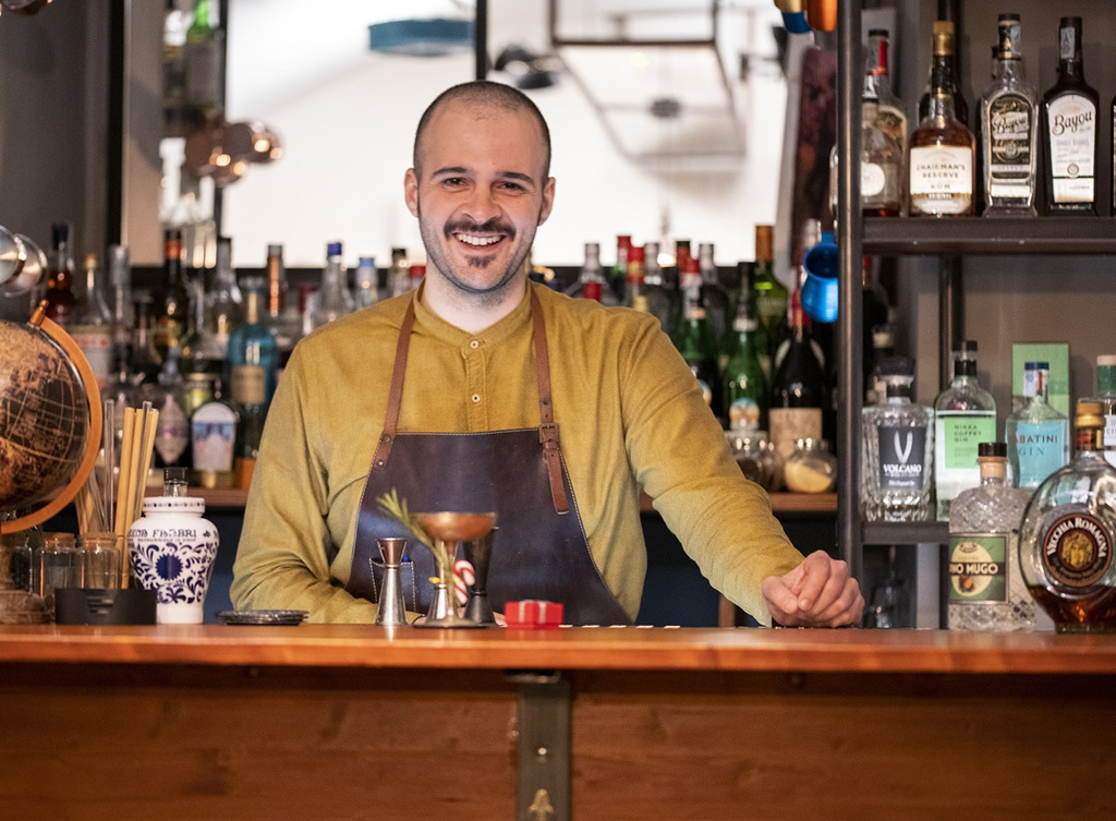 Carmelo Buda, bartender di Oliva.co Cocktail Society di Catania