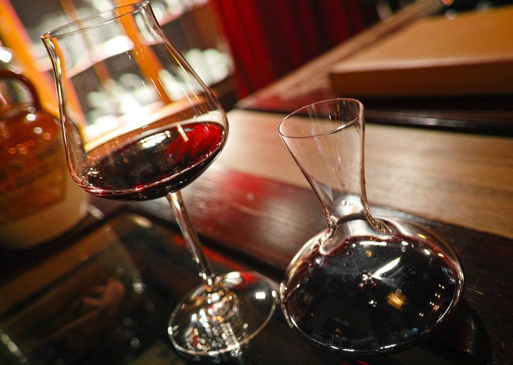 Sommelier per wine-bar: come scegliere e valorizzare tale figura