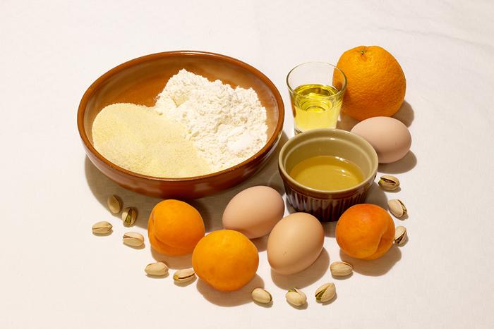 Ingredienti della Torta di semolino e albicocche