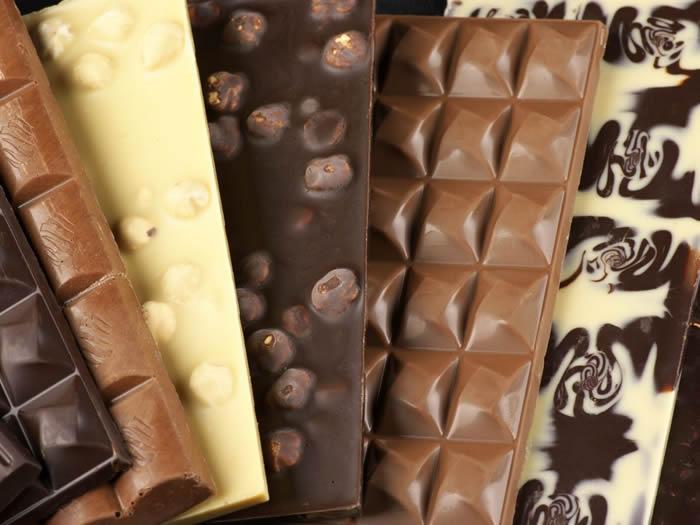 Cioccolato al latte, bianco e fondente