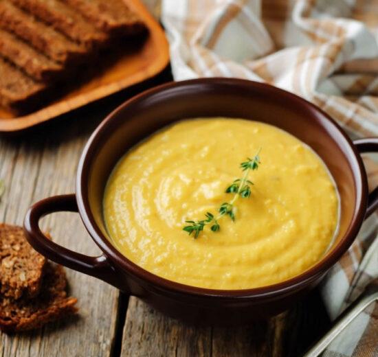 Come fare la Zuppa di ceci con crostini