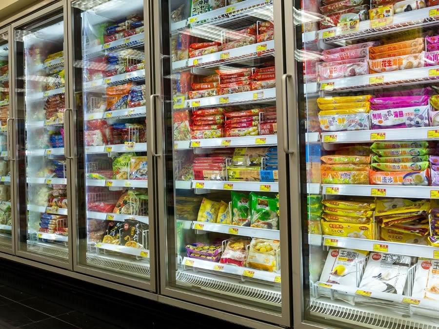 Frigoriferi per surgelati al supermercato
