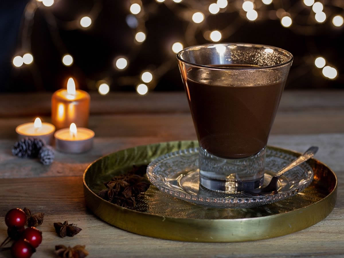 Cioccolata calda alla nocciola e anice
