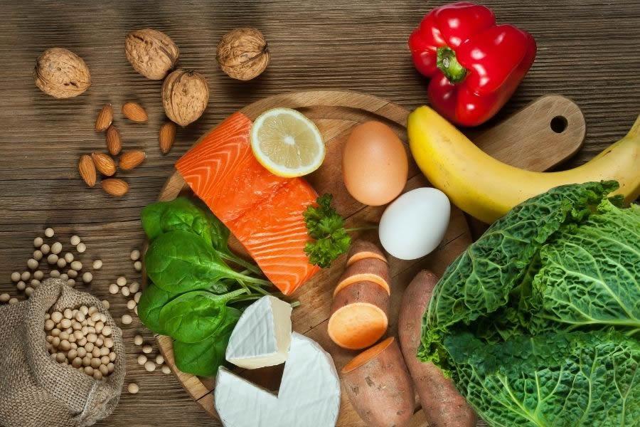 Gli alimenti per avere capelli nutriti, forti e in salute