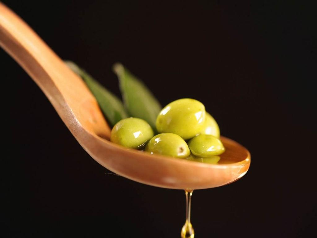 Come valutare pregi e difetti dell'olio d'oliva