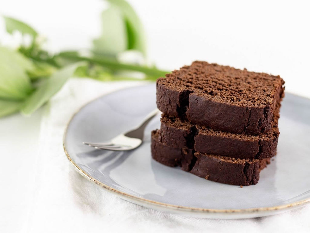 Torta al cioccolato vegan: come riciclare le uova di Pasqua