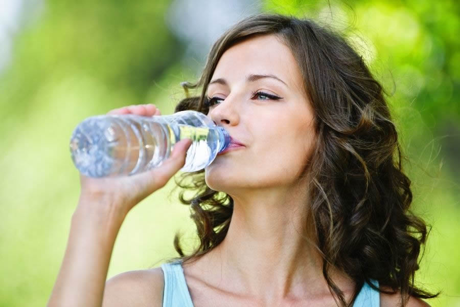 Esiste la dieta anticellulite? Ecco cosa non mangiare