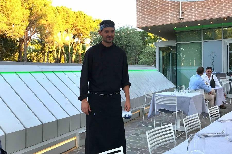 Chef Dmitry Galuzin del ristorante Gastarea